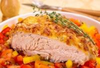 Куриная грудка под йогуртово - сырным соусом