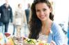 7 вещей, которые нельзя делать сразу после еды