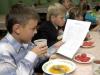 Диетологи советуют кормить школьников кашей, макаронами и хлебом